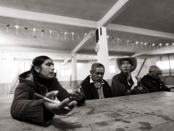 People from the village of Zacapoaxtla talk about their demands to the inter-union delegation of CISO.