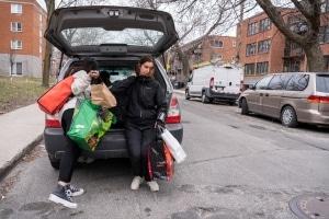 Des repas sont distribués dans Montréal-Nord