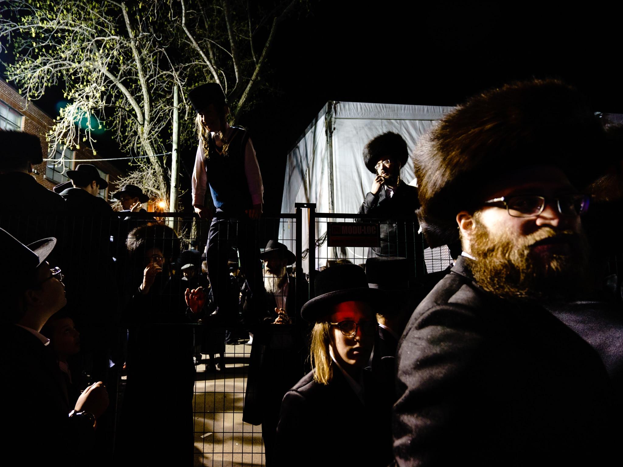 Des milliers de personnes pour célébrer la venue du rabbin Yissachar Dov Rokeach